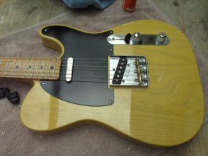 The assembled guitar