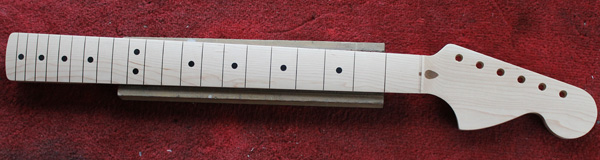 Unfretted Guitarbuild Stratocaster neck as received