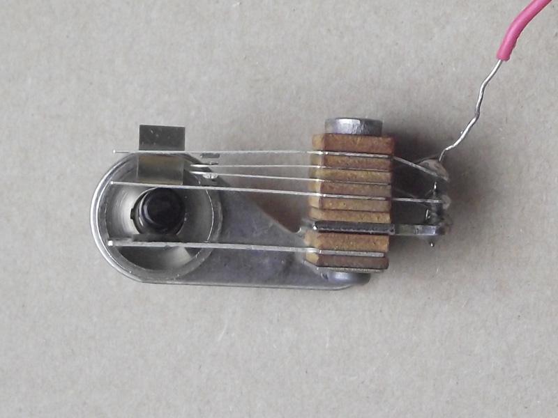Rebuilt-Switchcraft-DPST-switch-open.jpg